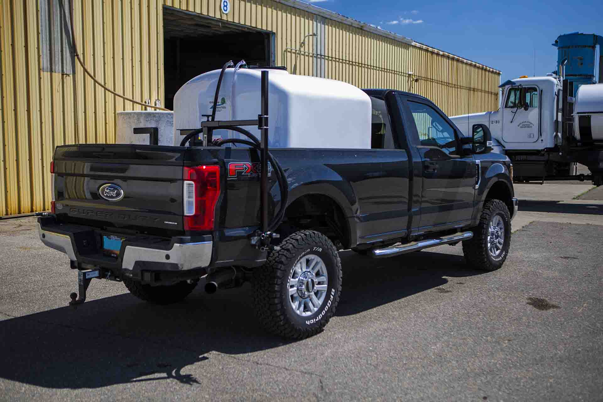 500-gallon-road-side-elite-spraying-thumbnail.jpg